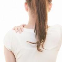 背中の痛み、肩甲骨の痛み